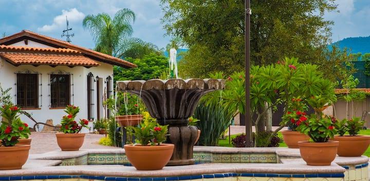 """Boutique Stay Hacienda La Moreda """"Rm Rosa Blanca"""""""