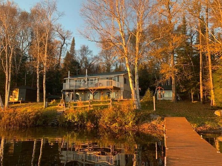Chalet ''Le Bord de l'eau'' au Lac Pope