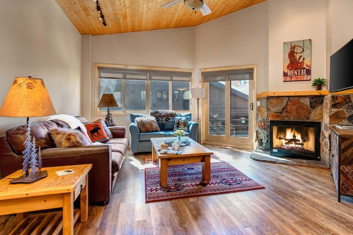 Abode at Courchevel | Walk to Hiking and Skiing | 2 Miles to Main Street