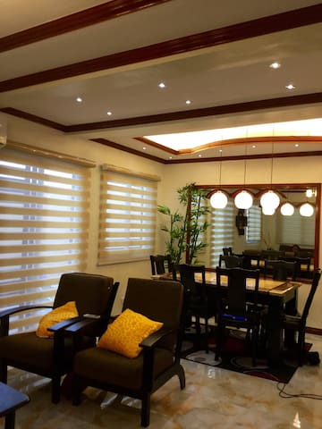FAMILY ORIENTED FULLY FURNISHED 3B-ROOM WITH WIFI - general trias  - Hus
