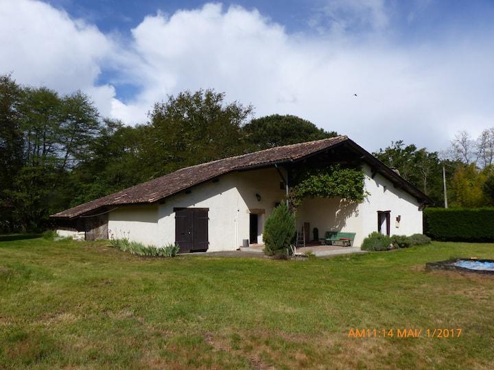 Grande maison calme dans environnement boisé