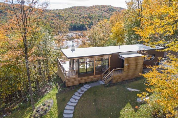 Bright contemporain loft on a mountainside