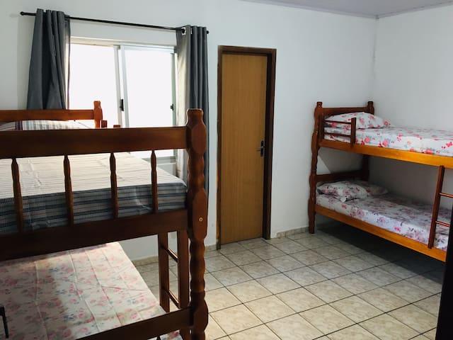 Pitty Hostel - Quarto Compartilhado 4.