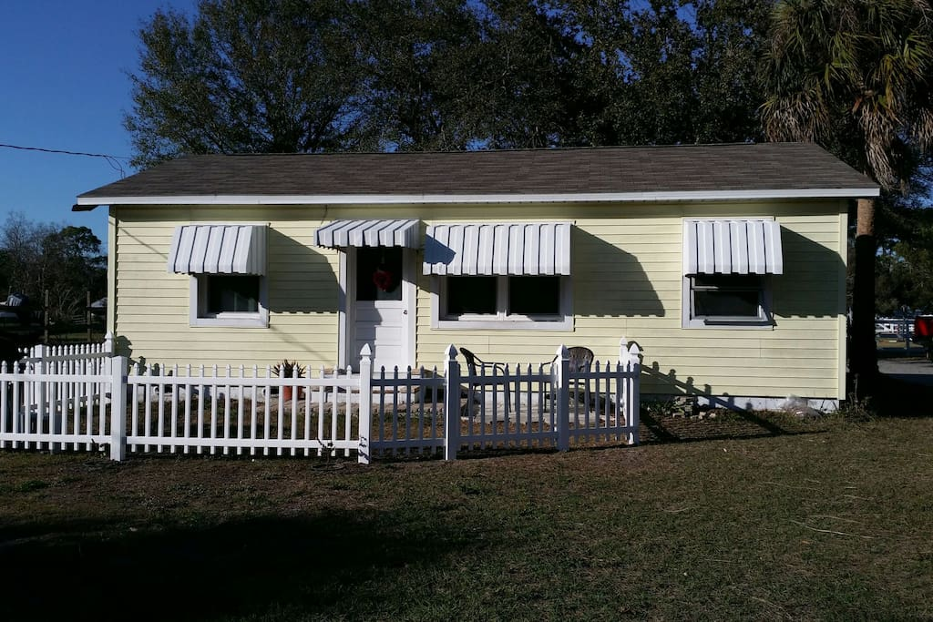 Pet Friendly On An Equestrian Farm Houses For Rent In Pinellas Park Florida United States