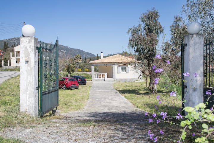 Entire house with garden near Palaiokastritsa