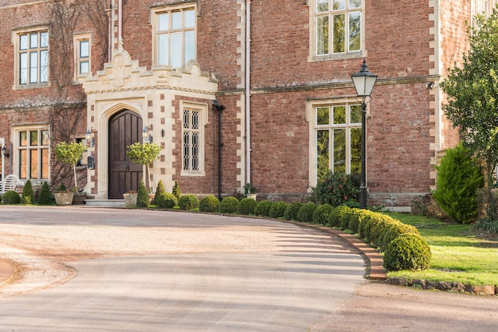 Cannington Grange - 18 bedrooms, sleeps 18 - 43