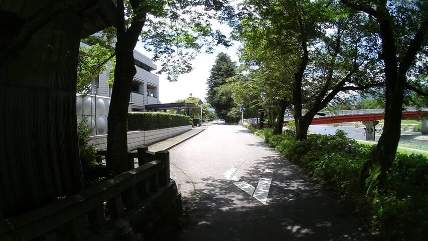 昭和30年代のレトロな雰囲気の中にあり、金沢市からは車で30分です。(希望があれば送迎もします) - Nanto-shi - House