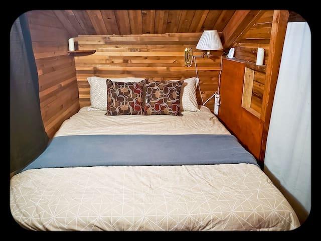 Queen bed nook.