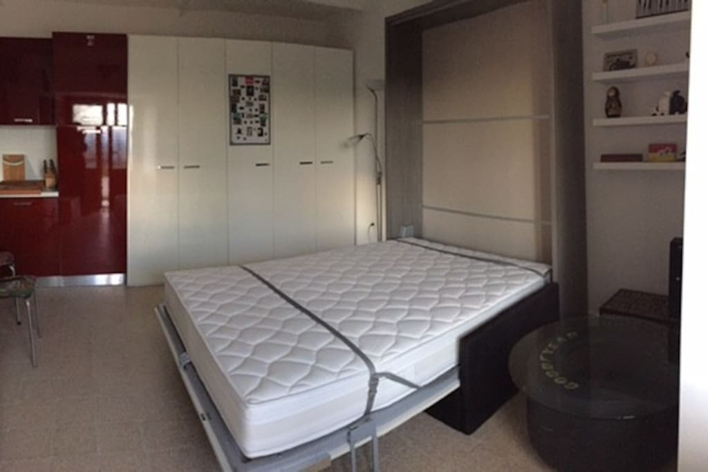 Comfortable double sized wall bed (real mattress)