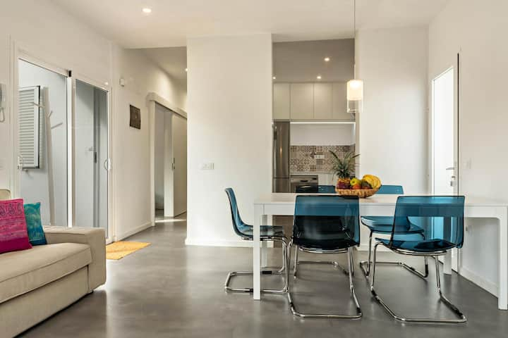 "Elegant Chalet ""Casa del Monte"" with Wi-Fi, Terrace & Garden; Parking Available"