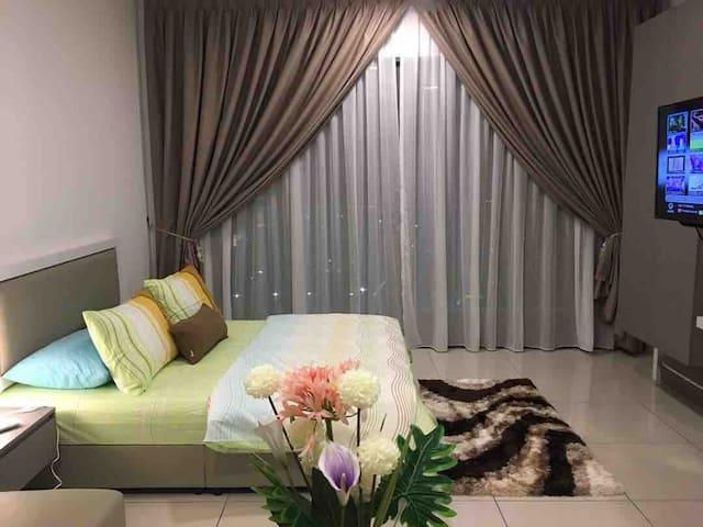 Fabulous Suite@Evo Soho Bangi Sentral | Free WiFi