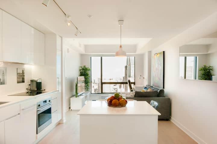 Luxueux condo avec vue renversante du 45e étage