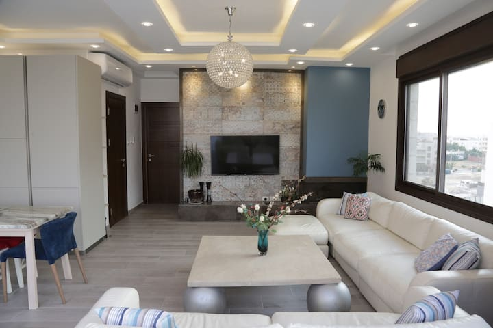Luxury & Stylish Rooftop with great view of Amman