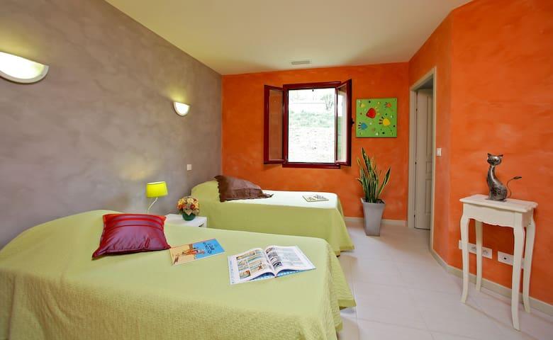 chambre 3, lits simples à l étage