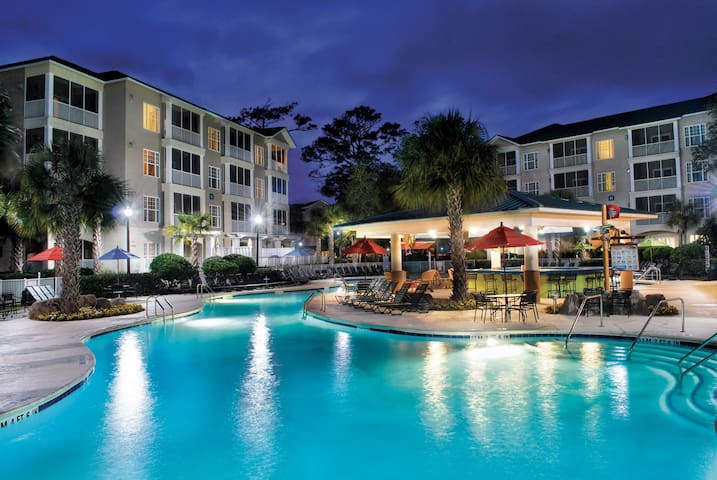 Outdoor Pool + Lazy River + Giant Waterslides | Holiday Villa in Myrtle Beach