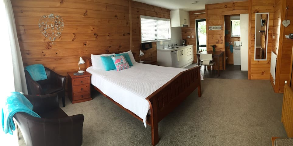 Eunoia on the Estuary bnb STUDIO @ PUKEHINA BEACH - Pukehina - Bed & Breakfast