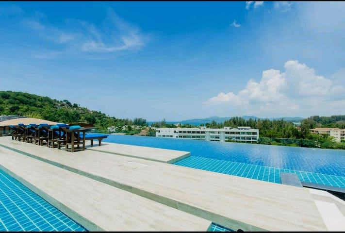 3 BR seaview high ceiling penthouse in Surin beach