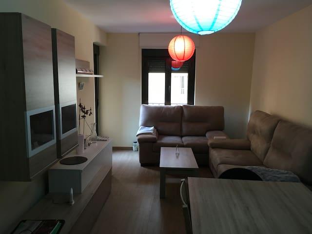 2 habitaciones en el centro, hasta 3 personas - Salamanca - Apartment
