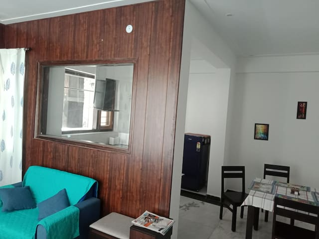 Entire three bedroom apartment Olee