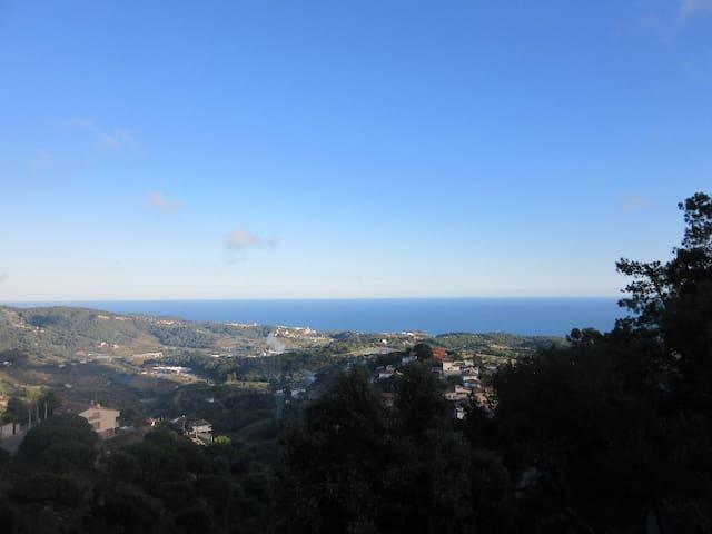 DESCONEXIÓN TOTAL CON VISTAS AL MAR. - Sant Cebrià de Vallalta - Chalet