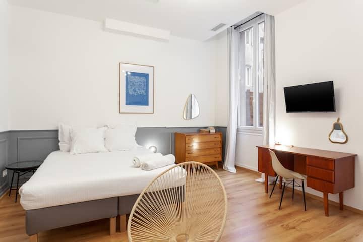 Pleasant studio with terrace -Marseille Vieux Port