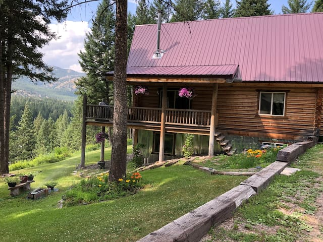 Jay and Jill's River Cabin