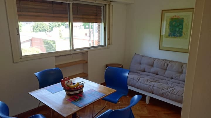 SUNNY AND CONVENIENT 1BR APT