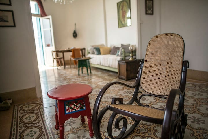 Belle epoque, central flat with Ville, Medina view - Tunis - Byt