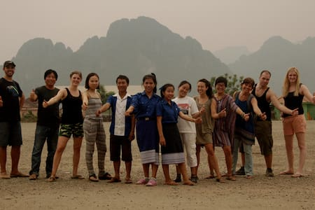 non-profit homestay: meals included (shared 4a) - Vang Vieng