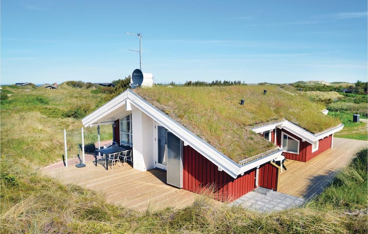 Holiday cottage with 3 bedrooms on 86 m² in Saltum