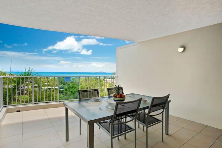 ABFANTABULOUS VIEWS Azure Sea 2 Bedroom Apart