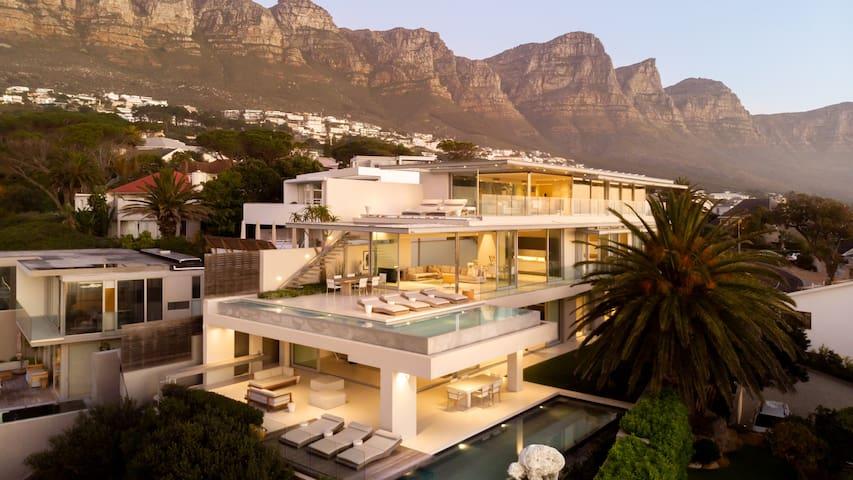 008 Villa