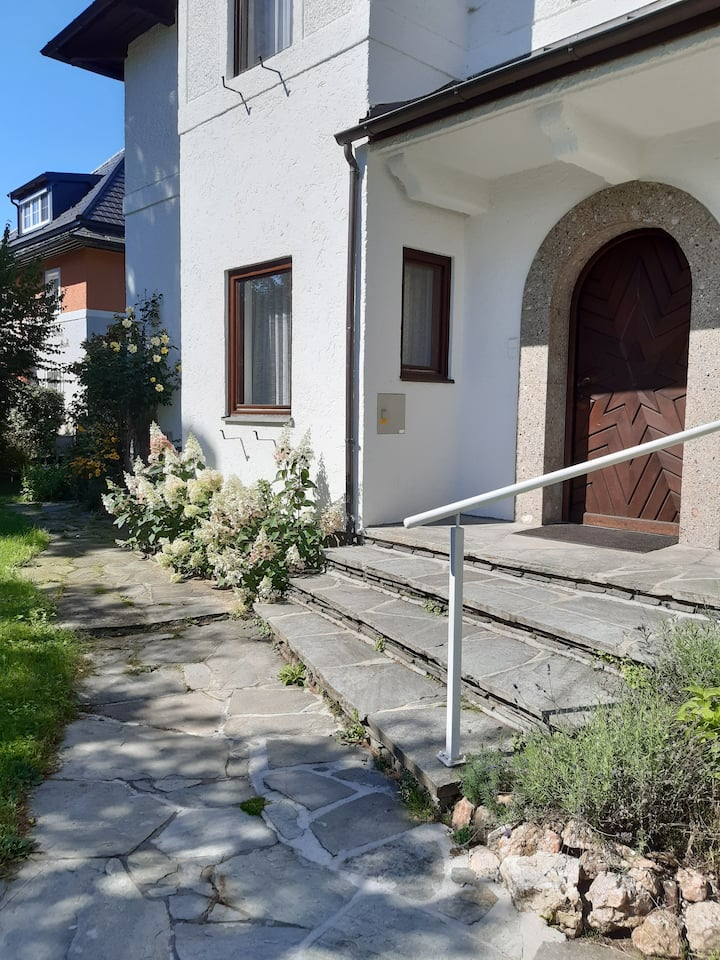 Villa bei Salzburg, Familiensitz, Festspieldomizil