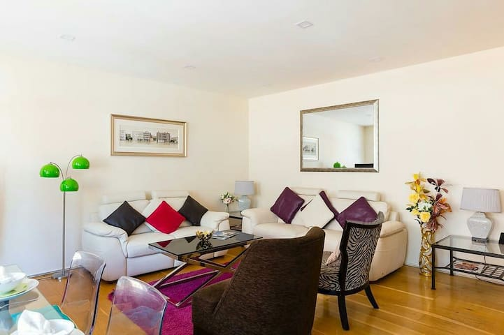 Oxford circus& Regents st Lux 2 bed apartment