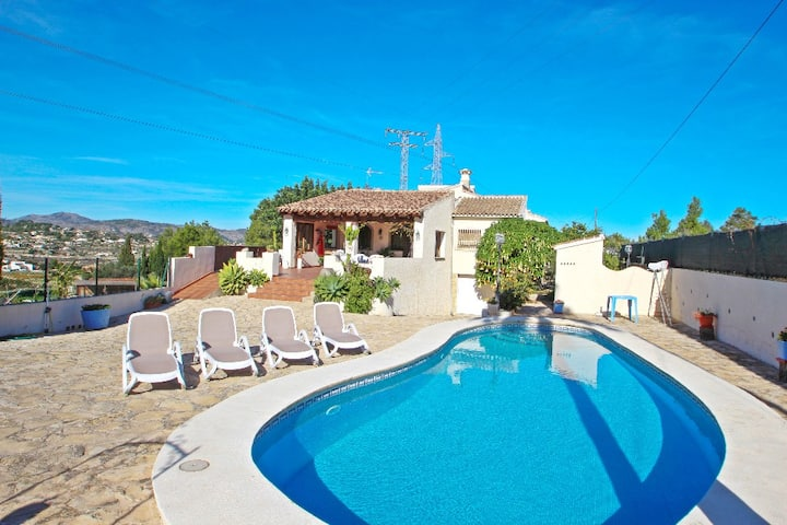El Ventorrillo - holiday home with stunning views and private pool in Benissa