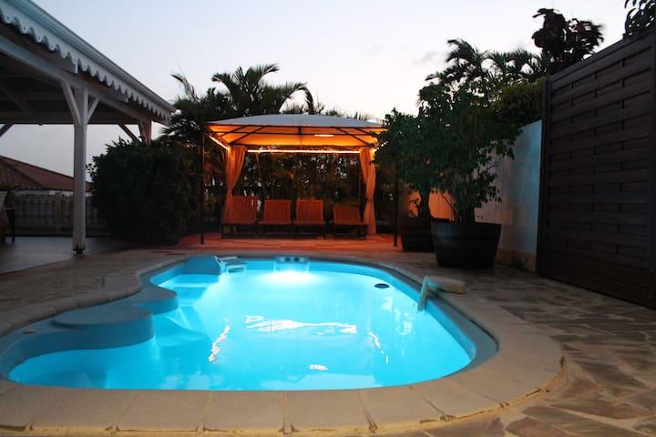 villa  Mahoganys piscine 3 chambres climatisées