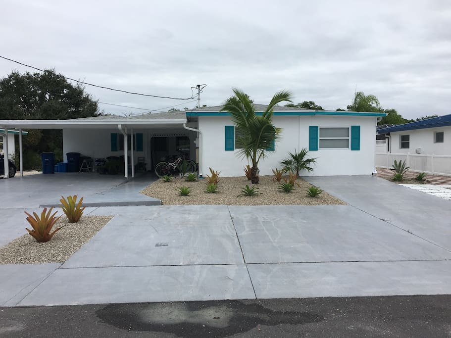Tropical waters vacation rental a apartments for rent for Rooms to go kids fort myers
