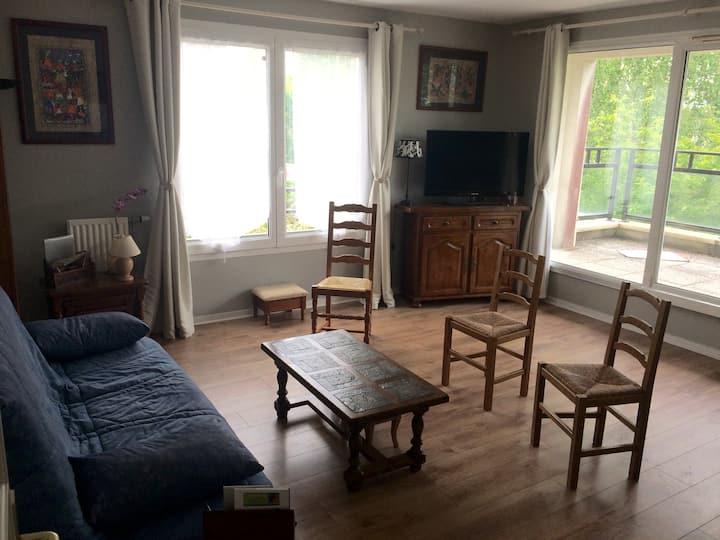 Appartement dans un environnement calme.