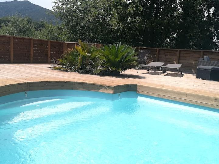 Villa avec piscine et superbes vues !