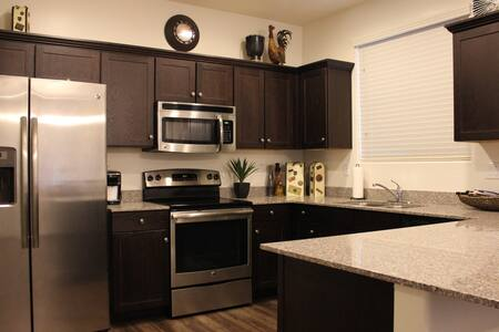Shared Condo with Private Bedroom and Bathroom - Phoenix - Pis