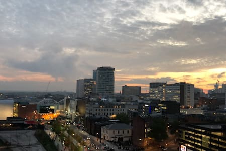 Birmingham Apartment With Views & Free Parking