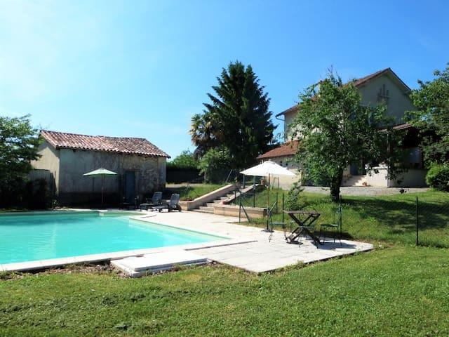 Maison avec piscine privé - Brantôme - House