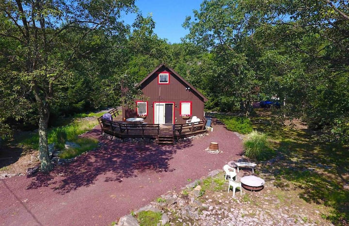 ❤️The Happy Heart Chalet❤️ Lake Harmony, Poconos