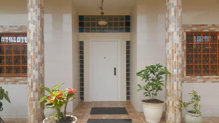 Magnifique appartement F4 avec piscine privée