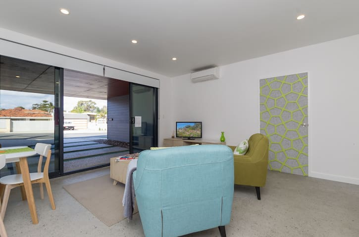 Sunset Apartments  - 'Green' GND FLR APT! 1BR!