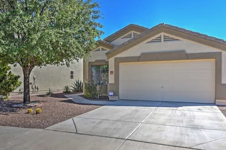 3BR El Mirage House w/Expansive Backyard! - El Mirage