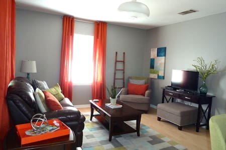 Refreshing Guest Apartment Near The Square - Georgetown - Lägenhet