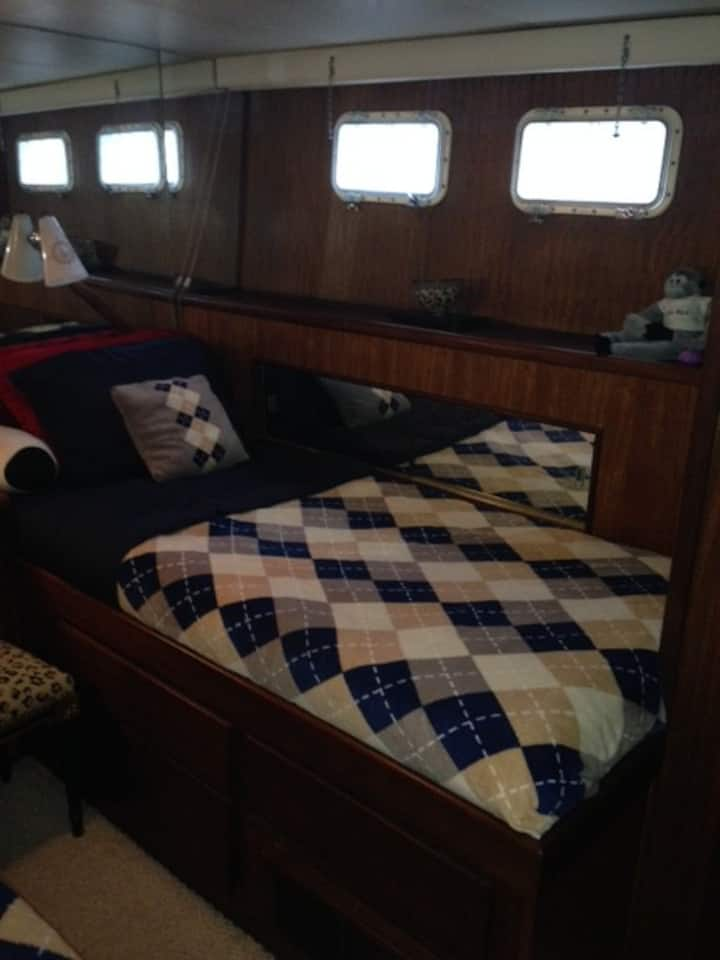 Luxury Starboard Stateroom