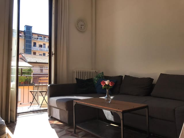 Private Room Loft w/terrace in the Naviglio Area
