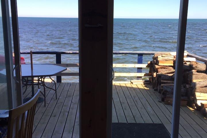 Captain Dan's Lake Ontario Cottage